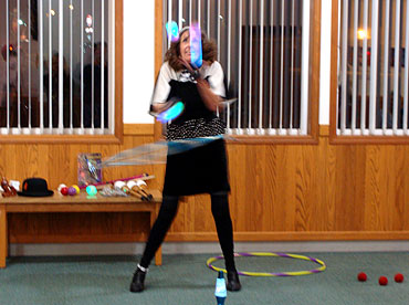 Chetco_Lib_Juggling_Joy_2