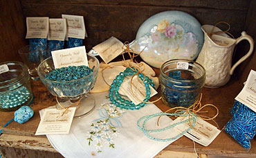 Chantilly-Beads-blue