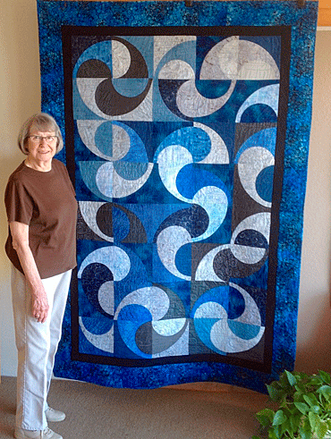 Diana-Chasar-with-quilt