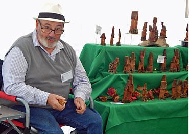 Dan-Collins-carving-cottonwood-bark