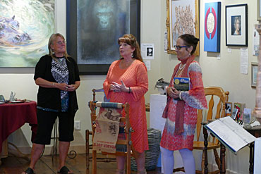 Christina-Sydney-Clinton-Jane-Opiat