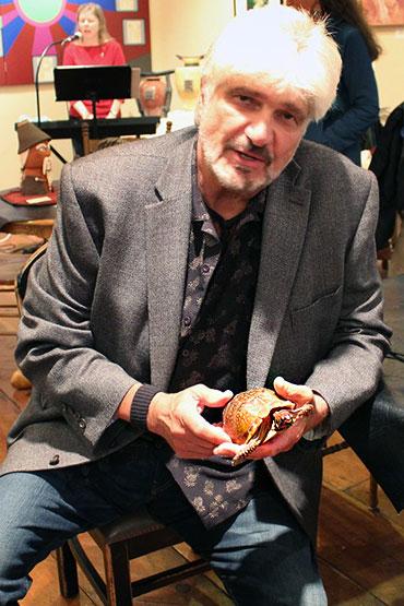 Art-Walker-with-Pet-Turtle